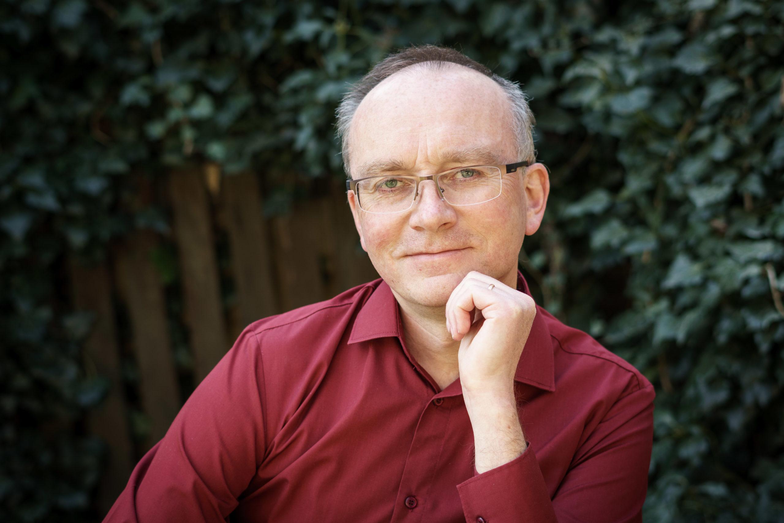 Szymon Grzelak – dr psychologii, założyciel i prezes Instytutu Profilaktyki Zintegrowanej oraz European Institute for Integrated Prevention,